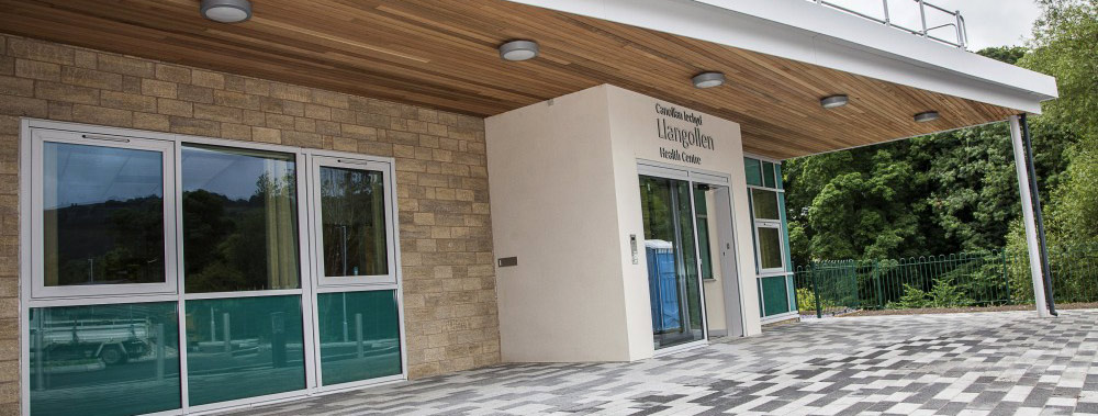 Llangollen Health Centre entrance